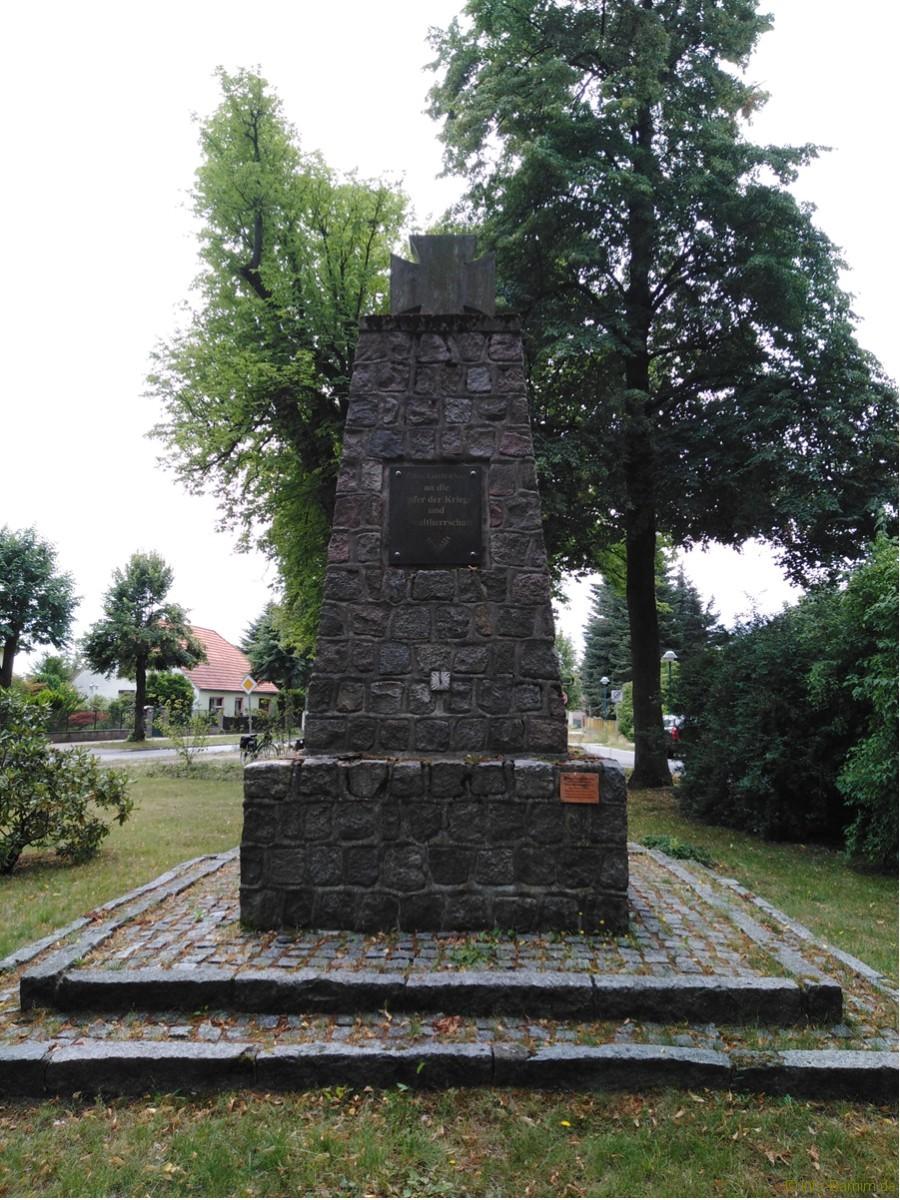 Radtour Ladeburg: Kriegerdenkmal