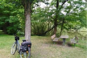 Radtour Ladeburg: Rast am  Dorfteich (Nähe Schäferpfuhl)